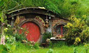 A red hobbit door.